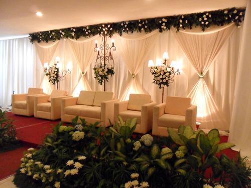 Foto-Pernikahan-Dekorasi-Putih